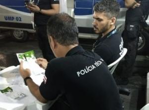 Polícia apreende ingressos do jogo do Brasil com indícios de adulteração